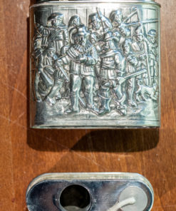 Table lighter with depiction of Rembrandts 'Nachtwacht'