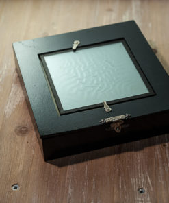 Viewing box for Dufaycolor transparencies By Ilford